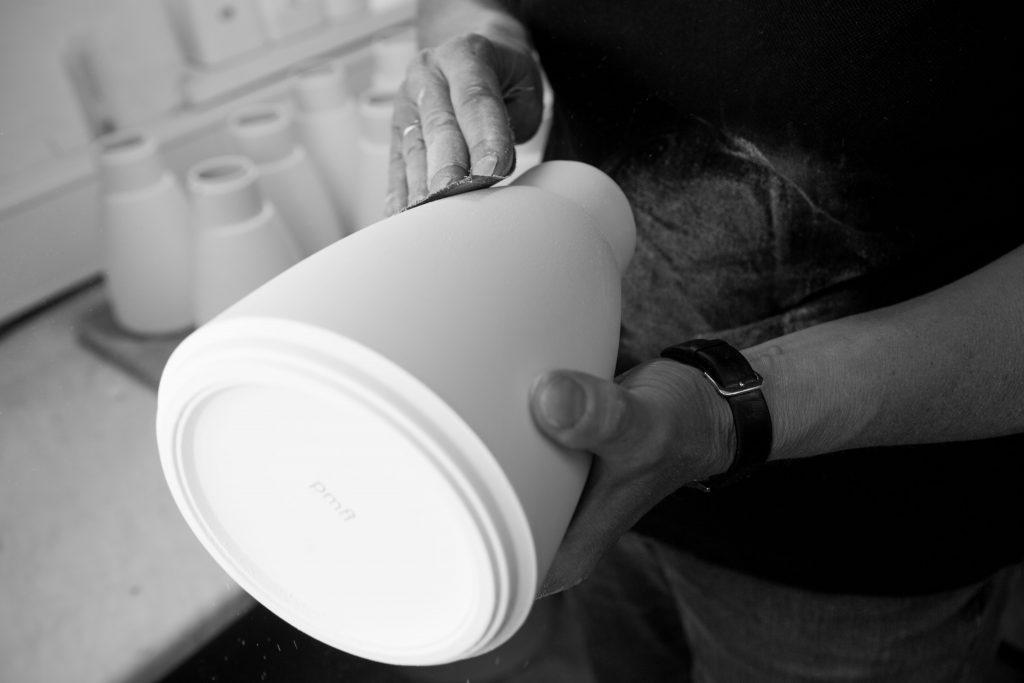 Porzellanvase Schrühware Schrühbrand schleifen